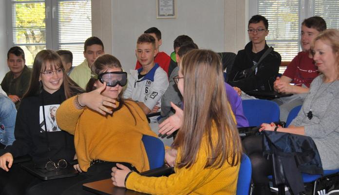 O współczesnych uzależnieniach z uczniami siedleckich szkół podstawowych - Zdjęcie główne