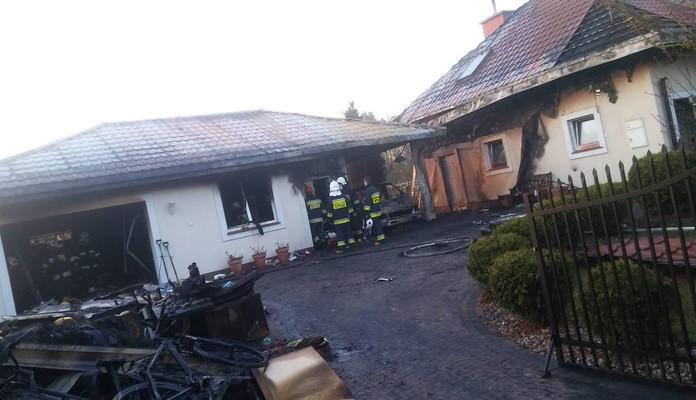 Pożar garażu - Zdjęcie główne