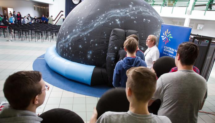 Planetarium w trasie - Zdjęcie główne