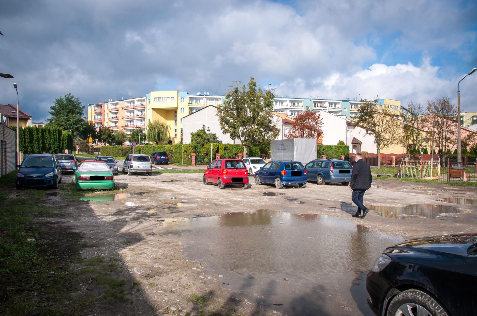 Będzie więcej miejsc parkingowych na os. Niepodległości - Zdjęcie główne