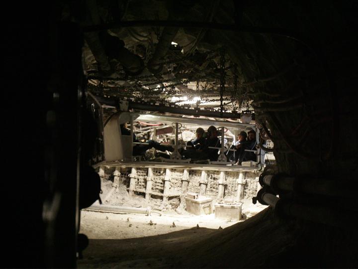 Górnicy LW Bogdanka mają szlaban na napoje w puszkach. Puszki mogą w tydzień powodować straty rzędu 700 tys. zł - Zdjęcie główne