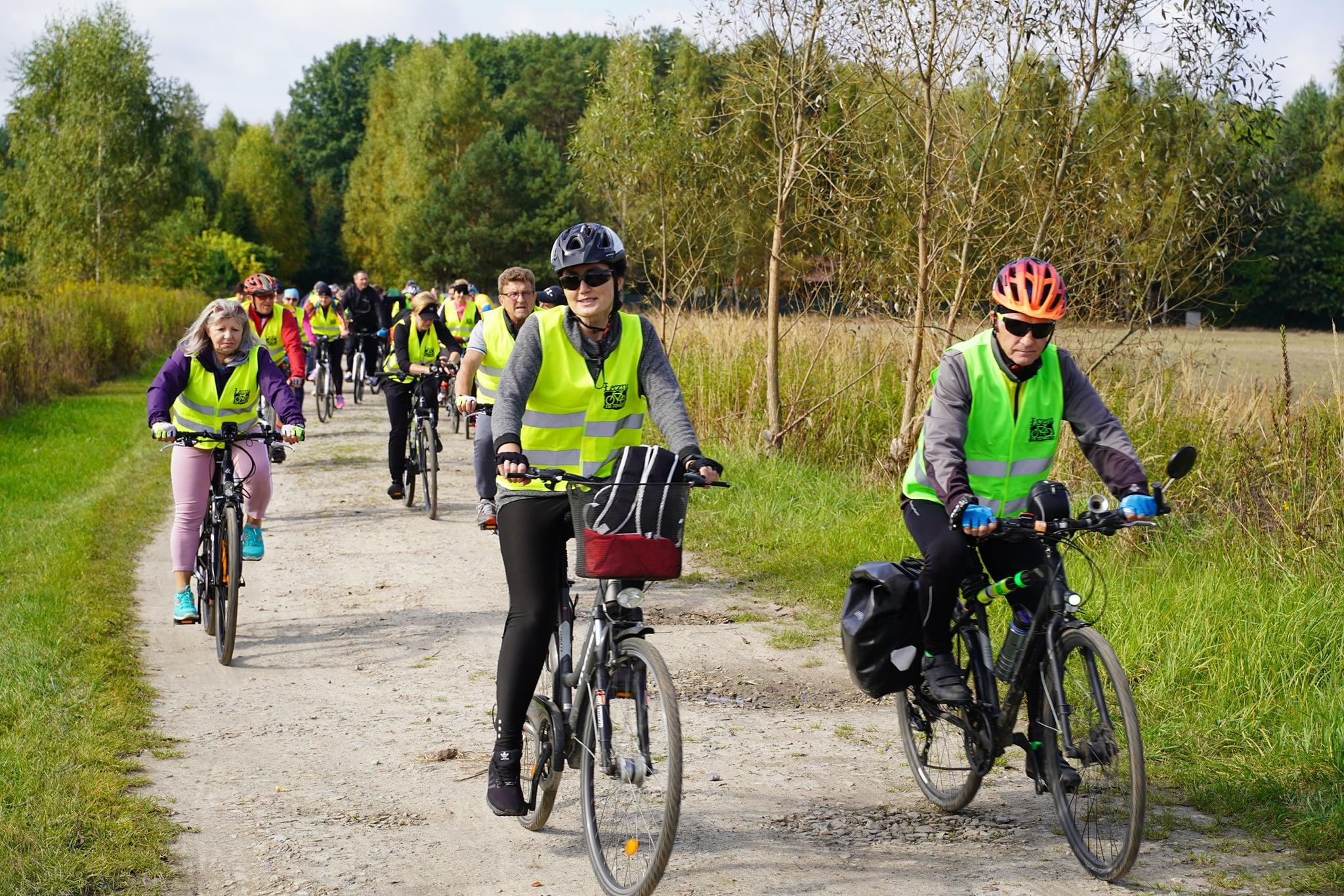 """Blisko 120 osób wzięło udział w rajdzie """"Łęczna na rowery"""" (ZDJĘCIA) - Zdjęcie główne"""