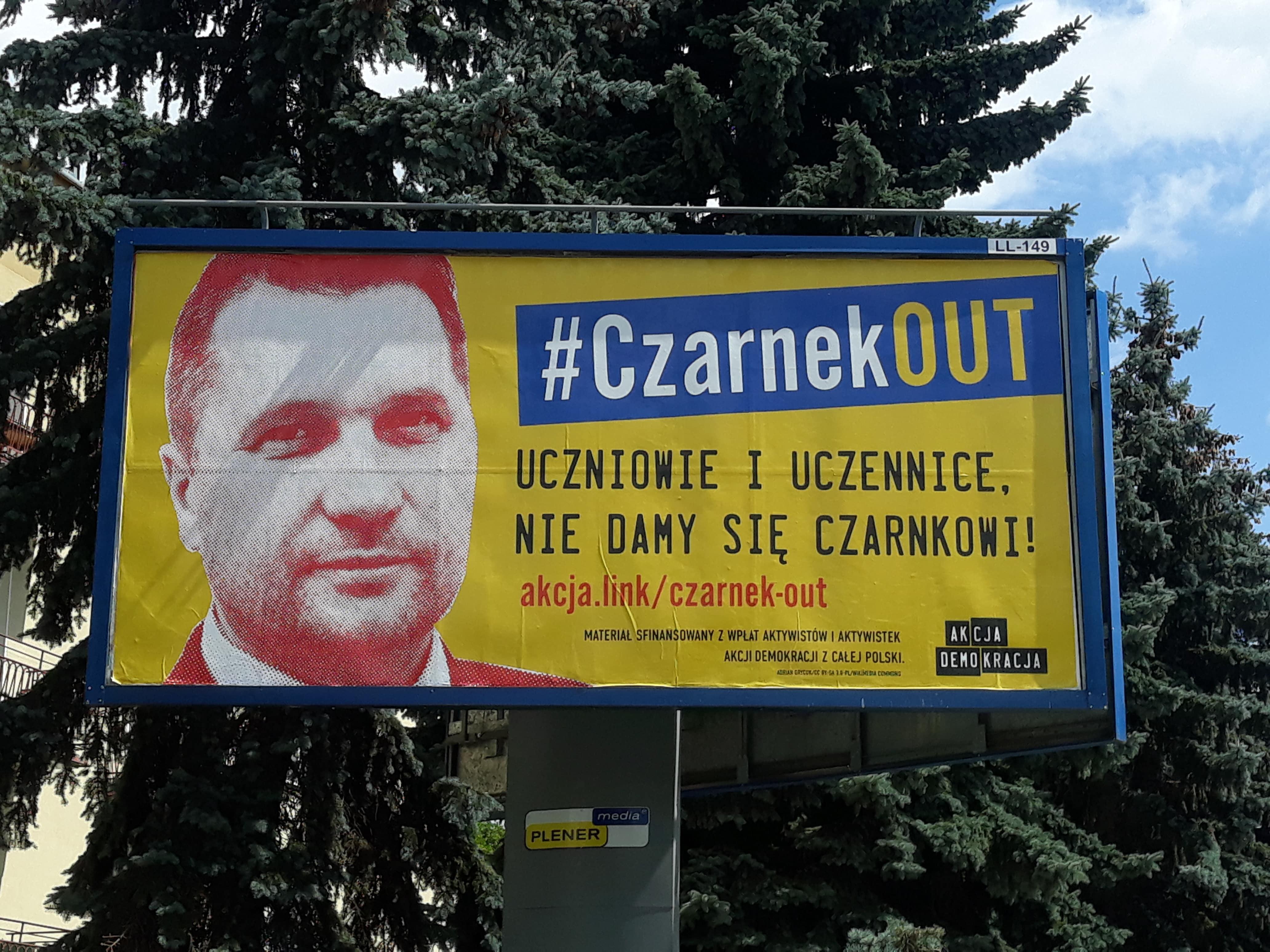Lublin: Ruszyła kampania wymierzona w ministra Przemysława Czarnka. W mieście zawisły billboardy  - Zdjęcie główne