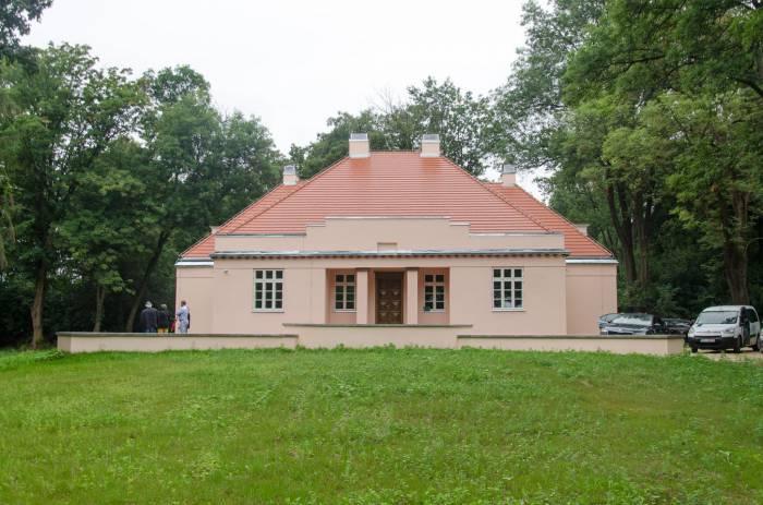Puchaczów: Pałac ślubów w Dworze Lachertów (ZDJĘCIA PRZED I PO REMONCIE) - Zdjęcie główne
