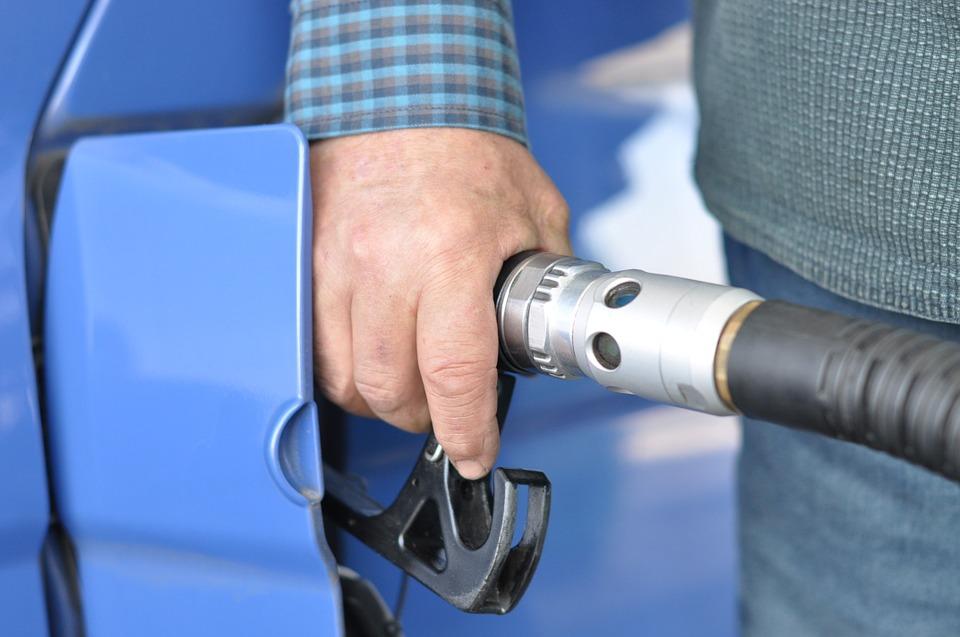 Gmina Puchaczów: 19-latek kradł paliwo na stacjach benzynowych - Zdjęcie główne