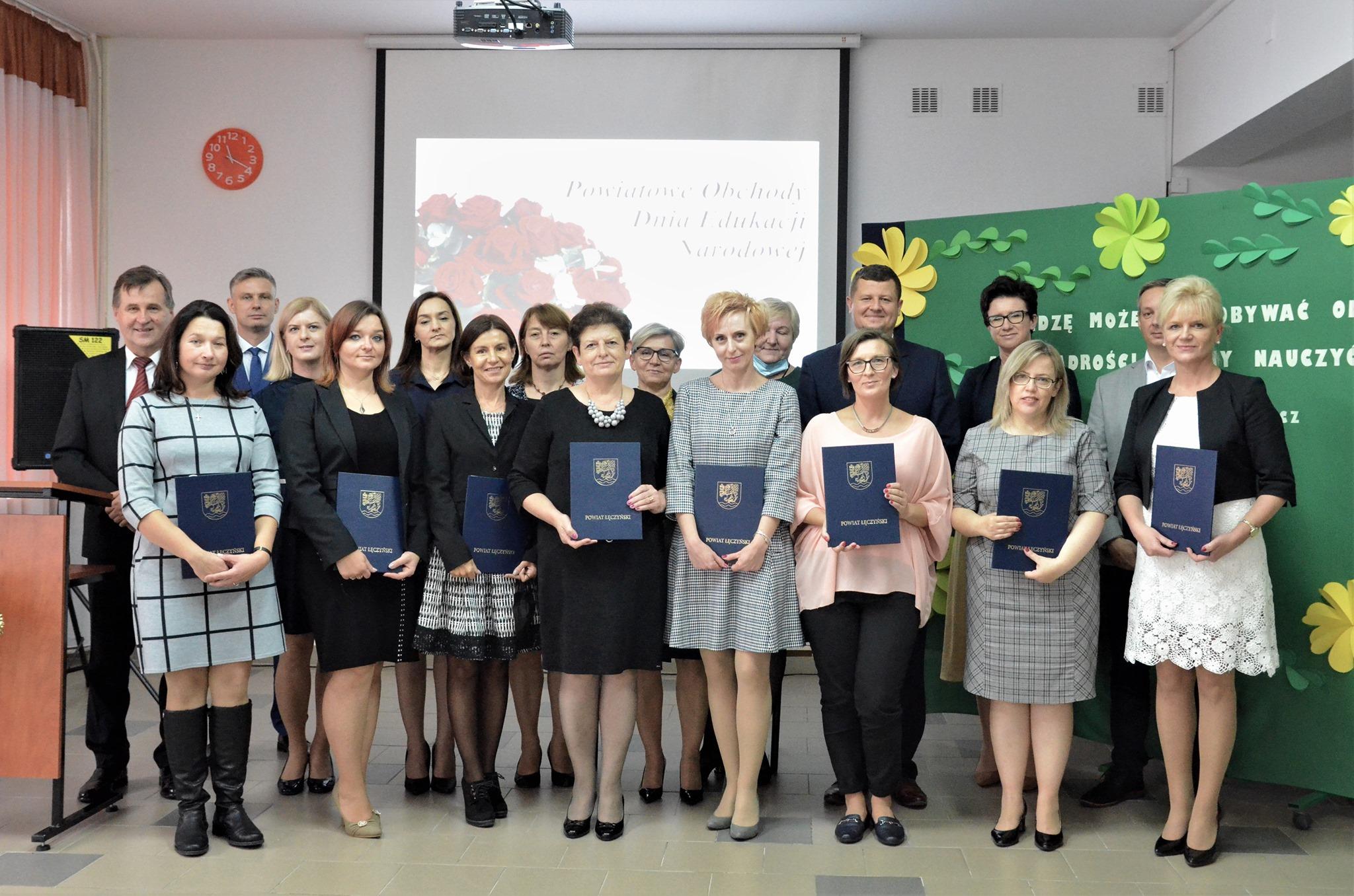 Łęczna: Nagrodzili nauczycieli (zdjęcia) - Zdjęcie główne