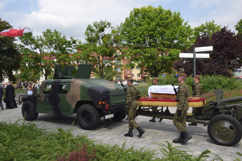 """Łęczna pożegnała """"Wiktora"""" (wideo, zdjęcia) - Zdjęcie główne"""