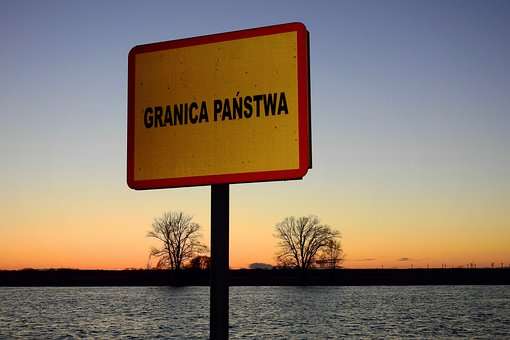 Stan wyjątkowy: Na bagnach pod Włodawą znaleziono trójkę imigrantów. Zostaną odesłani na Białoruś? - Zdjęcie główne